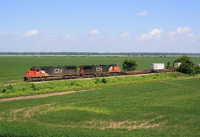 IC 1012 (EMD SD70) CN Train:Q194 Lake Cormorant, Mississippi