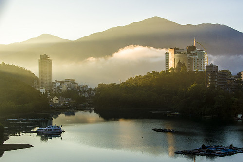 sun moon lake sunrise light cloud taiwan