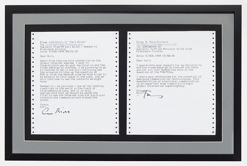 Framed and signed copies of the first e-mail exchange between Heads of State