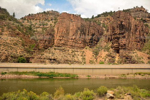 jmstrain glenwoodcanyon colorado amtrak californiazephyr coloradoriver