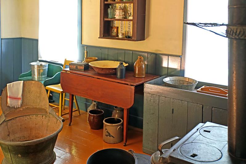 DSC08735 - Kitchen