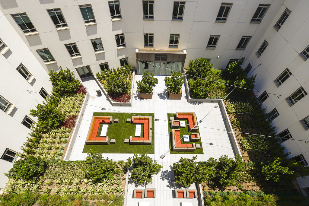 Residential College Interior Courtyard Aerial Photo Gus Ru Usc University Of Southern California Flickr