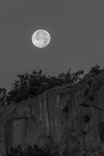 moon moonset new mexico los alamos blackandwhite bw adobe adobelightroom lightroom black white nikon nikond800 d800