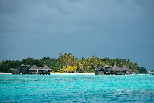 beach gettyimages nikond750 nikon80400vrafs maldives indianocean tropicalclimate nature sea luxury idyllic island turquoise travel swimming scenics watersedge cloudscape