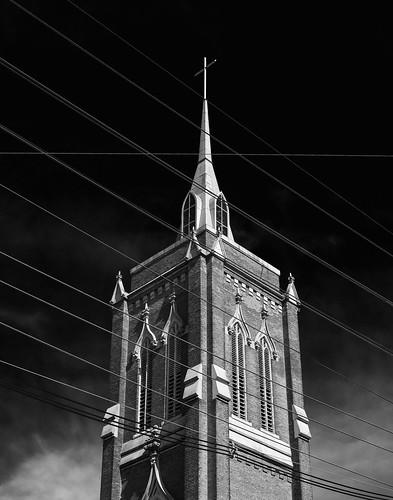 gimo nasiff guillermo photography fotofrafia gotico gotica iglesia gothic church worship tower torre louisville kentucky ky monochrome monocromo black white bnw streetview street view architecture arquitectura architettura arquitetura architektur sony a6000 a6k ilce6000 ilcea6000 manual lens nikkor35mmf2 nikkor 35mm f2 phoenix hill