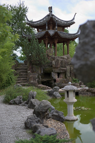 chinesegarden gardenoftheeternalmusic pagoda china chinese lake green bamboo trip visit outlook outdoor view stone stonework day daylight light shadow midday sky brown reflection bridge teahouse panoramastrase nikkor nikon nikond610