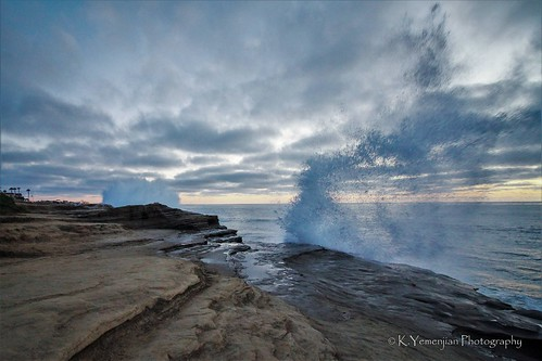 sandiegoca lajollaca lajolla lajollacove sunset endoftheday rock rocks rocky waves oceanview pacificocean ocean oceanwaves splash oceanwavessplash spray water waterforce canont5i canon700d canon beautyofnature cloudy clouds wideanglelens 10mm southerncalifornia t5i 700d placescity