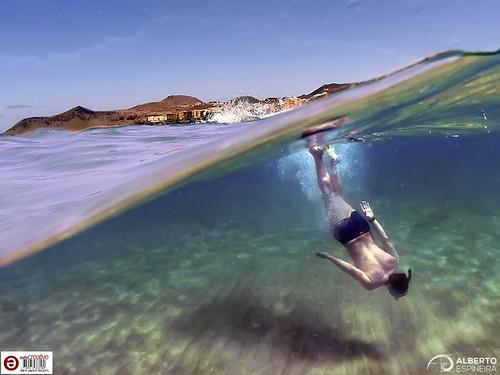 Half a sea and snorkel | by Alesfra
