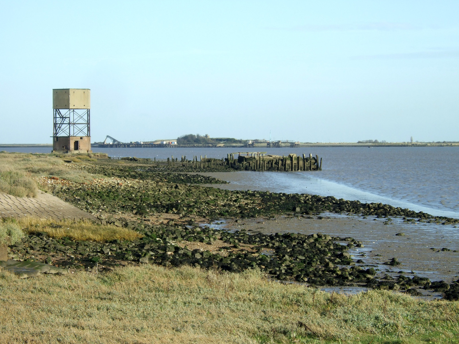 Coalhouse Point on the Thames estuaty