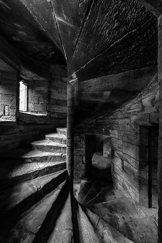 unitedkingdom scotland linlithgowpalace trap stairs zw bw zwartwit blackandwhite
