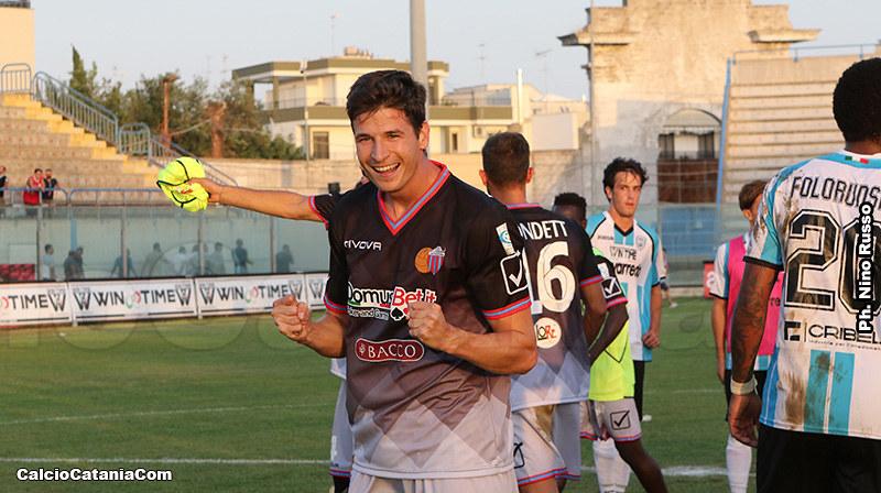 Stefan Djordjevic esulta dopo il gol segnato alla Virtus Francavilla nel 2017