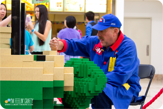 LegoStore-Hulk04-ImFeelinCrafty