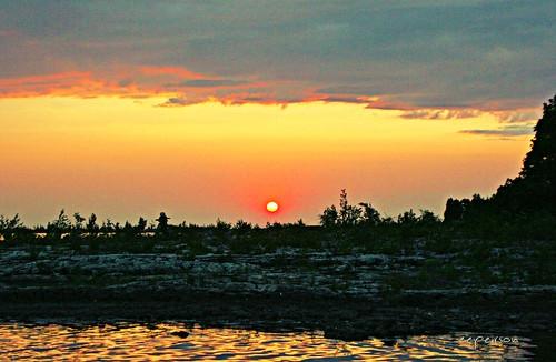 whiskeyharbour brucepeninsula lakehuron ontario canada sunset swimming diving newreality still stillness spindrift txeeptopaz