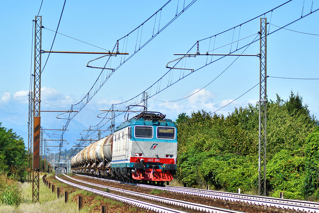 E652.092 MERCITALIA RAIL MRV 50613 Verzuolo - Massa Zona Industriale in transito a Cambiano(TO)