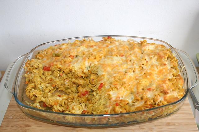 73 - Curry cream pasta bake with chicken in yoghurt marinade - Finished baking / Curryrahmnudeln mit Hähnchen in Joghurtmarinade - Fertig gebacken