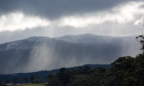 mtwellington tasmania mountain snow rain weather winter kingston landscape sunshower