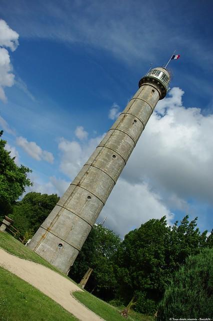 Quel est ce lieu ? La tour de la découverte à Lorient.