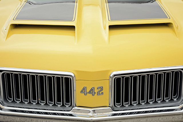 442 - 1972 Oldsmobile Cutlass Detail