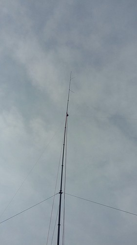 Fibermast set up with inverted V linked dipole antenna | by kvdhout
