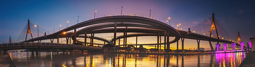 sony 18105 panorama scene sunset sky colour color citylight amateur angle asia asian architecture a6500 alpha apcs adulyadej apsc landscape samutprakan thailand thai building blue bluehour bangkok bridge ilce6500 outdoor photography photo photographer pics light lights landscapes landmark exposure view river สะพานภูมิพล