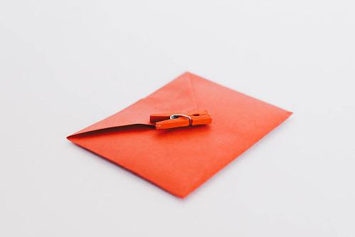 Roter Briefumschlag | by wuestenigel