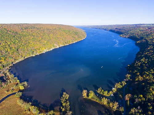 happy happyweekend weekend life nature fall autumn beautiful travel fun adventures flying flight aerial aerialphotography drone dronephotography drones dji djiphantom4 phantom4 skaneateles flx fingerlakes foliage protection peace peaceful blue lake indian indiansummer skaneateleslake