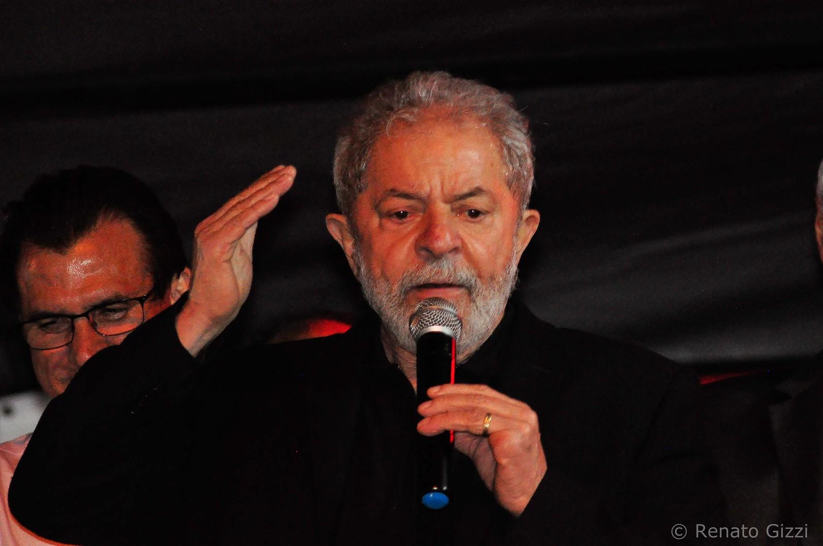 ลูลา ดา ซิลวา ภาพโดย Renato Gizzi