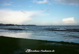 Leichte Sturmflut im Winter in Cuxhaven   by Stilkollektiv