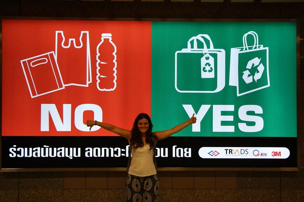 Bangkoki metrómegálló-kedvenc hirdetésünk