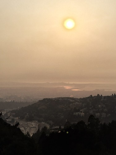 More smoke over Oakland | by tehgipster
