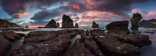 nisifilters seastack aotearoa beach dawn dylantoh everlooklandscapephotography motukiekie newzealand punakaiki seascape starfish sunrise sunset