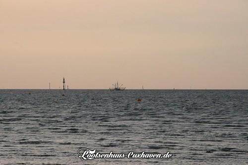 Krabbenkutter vor Cuxhaven   by Stilkollektiv