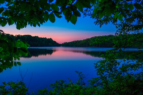 greenlakes greenlakesstatepark newyork centralnewyork upstate lake water sunset bluehour trees leaves canon6d canon 6d