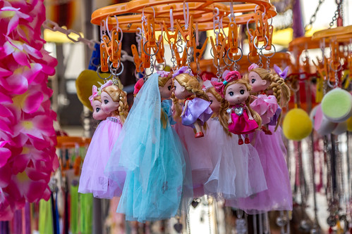 Hanging Princesses