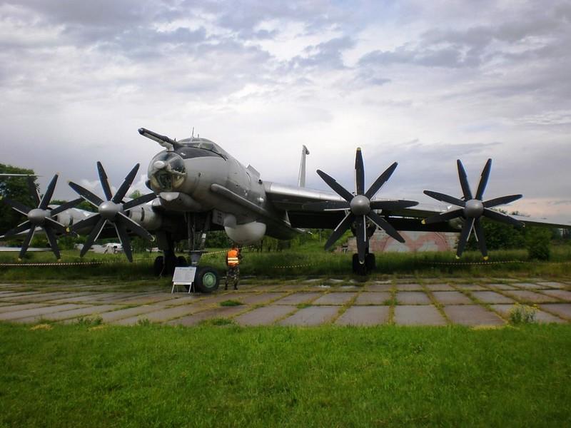 ツポレフ火-142M3 5