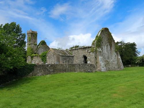 ireland éire eire clare anclár anchláir county cuinche church medieval ruin rine stone