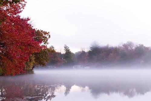 freemanlake fog dawn northchelmsford massachusetts newengland chelmsford autumn fall