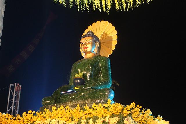 Phật Ngọc Hòa Bình Thế giới.