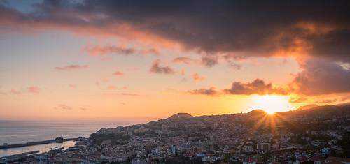 sunset sonnenuntergang landscape cityscape landschaft wolken city funchal madeira sigma 1750mm canon m5 sky outdoor sea ocean