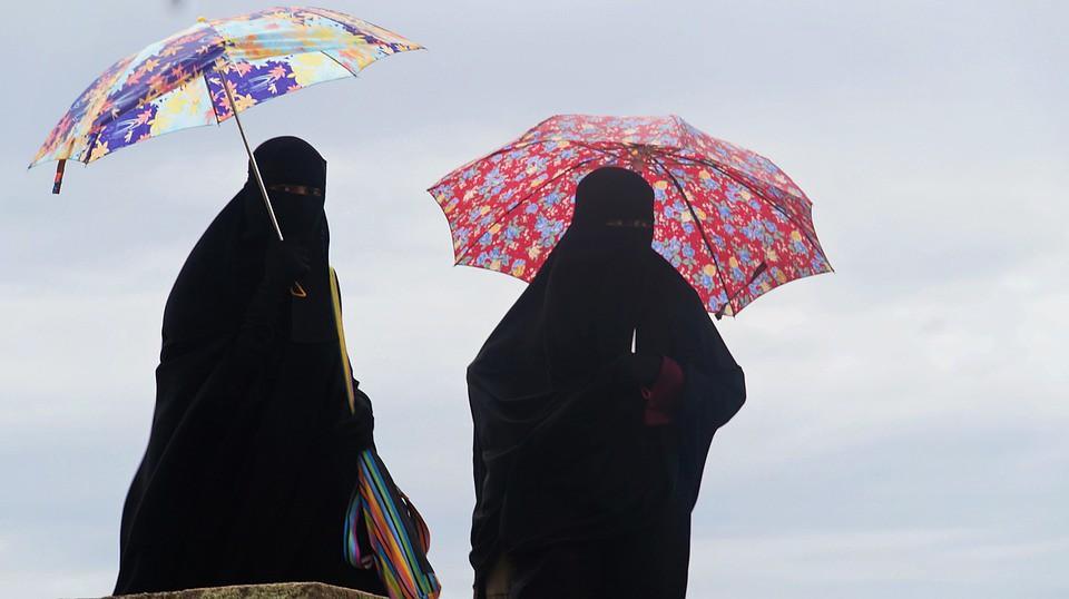 Burqas et parapluies
