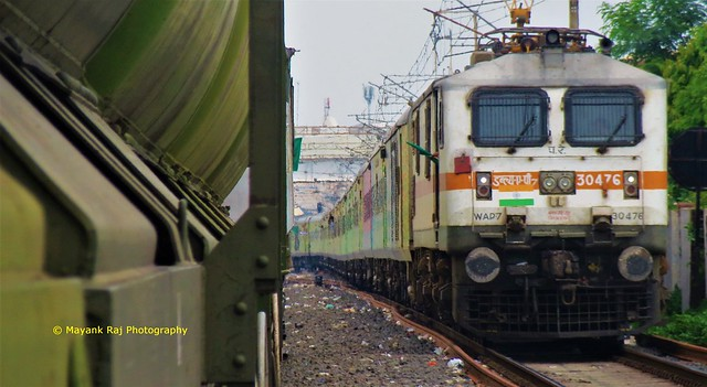 1 Flag used for 2 different purposes - Indian Railways..
