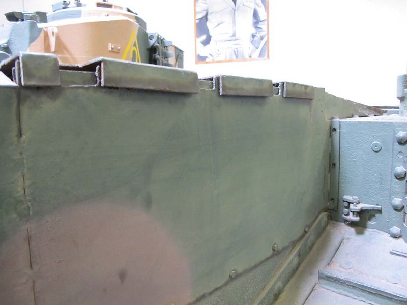 Churchill Mk VI 5