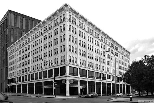 buffalo city newyork usa us unitedstates america american downtown building architecture bw 2017aimg3369bw roosevelt apartment apartments 921 mainstreet