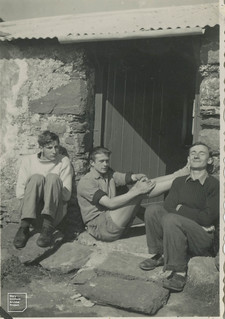 Piglet, Peter Driver and Gordon Goodman at the bunkhouse door, 1948