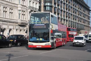 Original London Sightseeing Tour VXE726 YJ11TVK   by peterolding