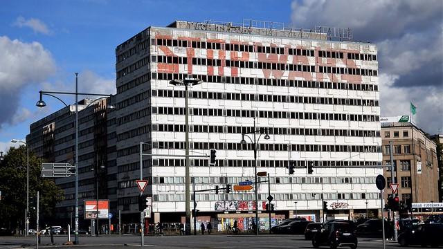 1968/70 Berlin-O. Haus der Statistik von Manfred Hörner/Peter Senf/Joachim Härter Karl-Marx-Allee 1/Otto-Braun-Straße 70-72 in 10178 Mitte