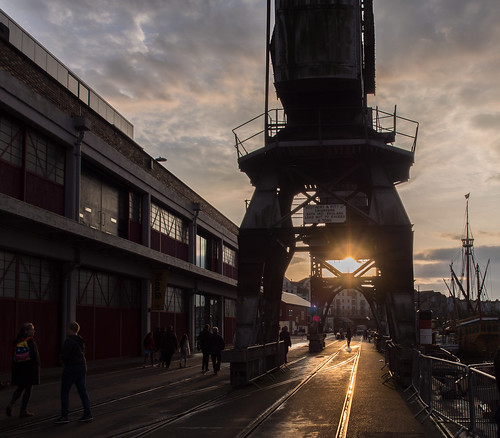 bristol england unitedkingdom crane mshed stothertandpitt dockside docks harbourside harbour quay quayside industrial maritime autumn sunset evening clouds sky matthew warehouse museum goldenhour