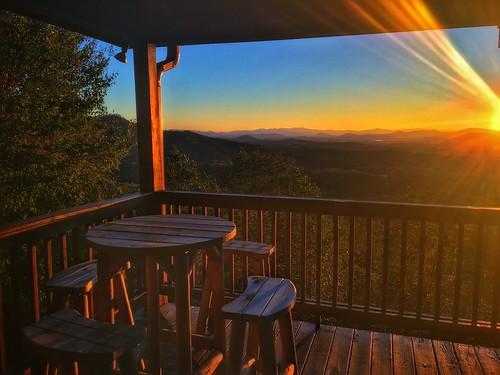 mobilephotography iphone6s blueridge mineralbluff appalachians mountains highviewlodge cabin thegreatoutdoors sunrise ladycardinalphotography jenniffertaylor