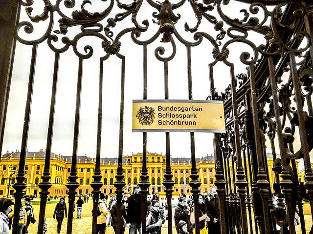 Yellow facade behind bars : HFF !