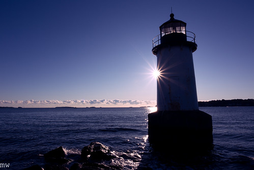 salem lighthouse sun sunburst sunrise fortpickering winterisland 1740mm 6d
